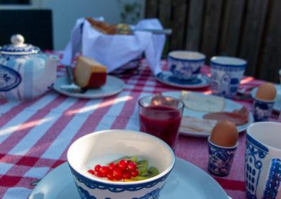 Ontbijt op het terras